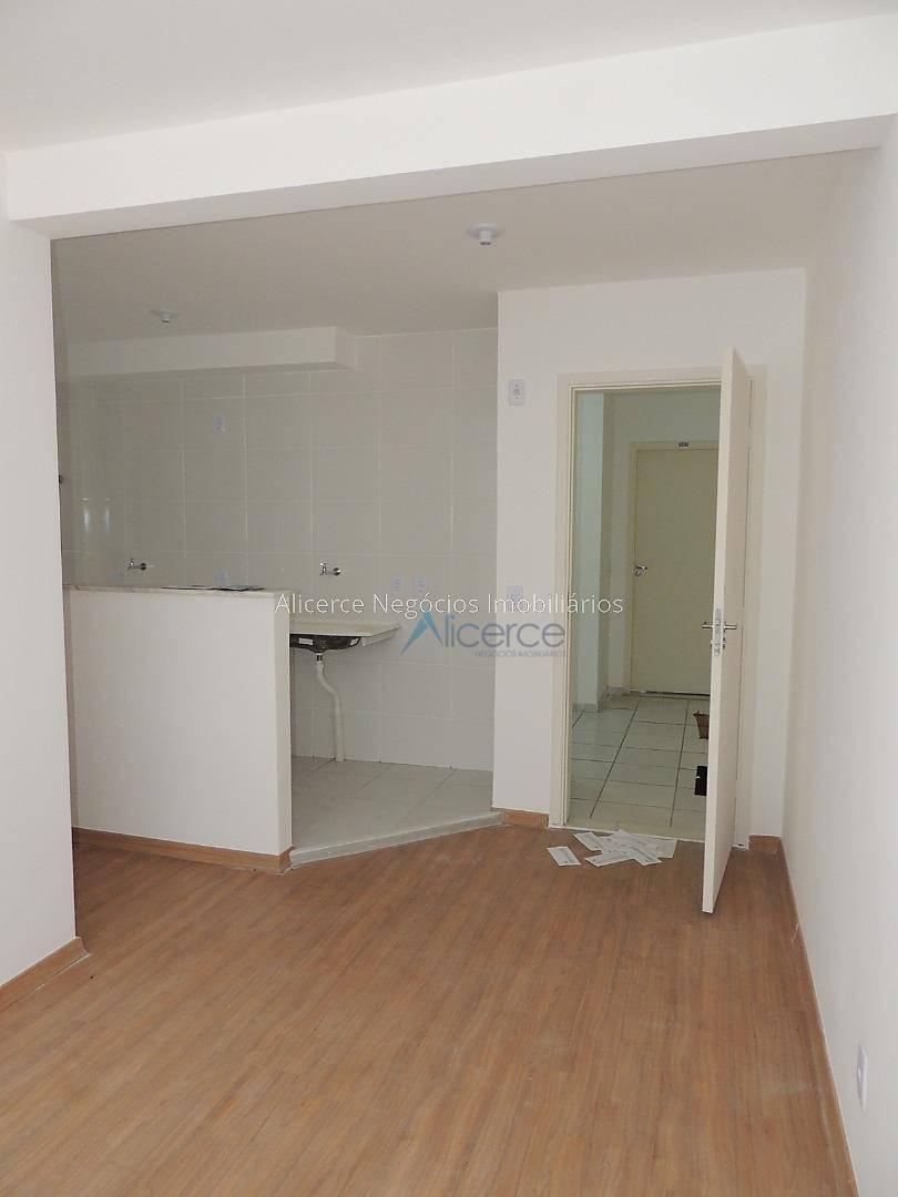 Apartamento com 2 dormitórios para alugar, 60 m² por R$ 400/mês - Nova Califórnia - Juiz de Fora/MG