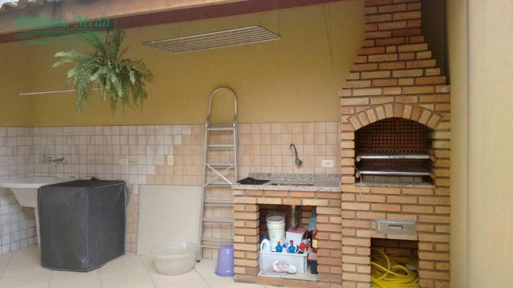 Sobrado com 3 dormitórios à venda, 132 m² por R$ 650.000 - Jardim Santa Mena - Guarulhos/SP
