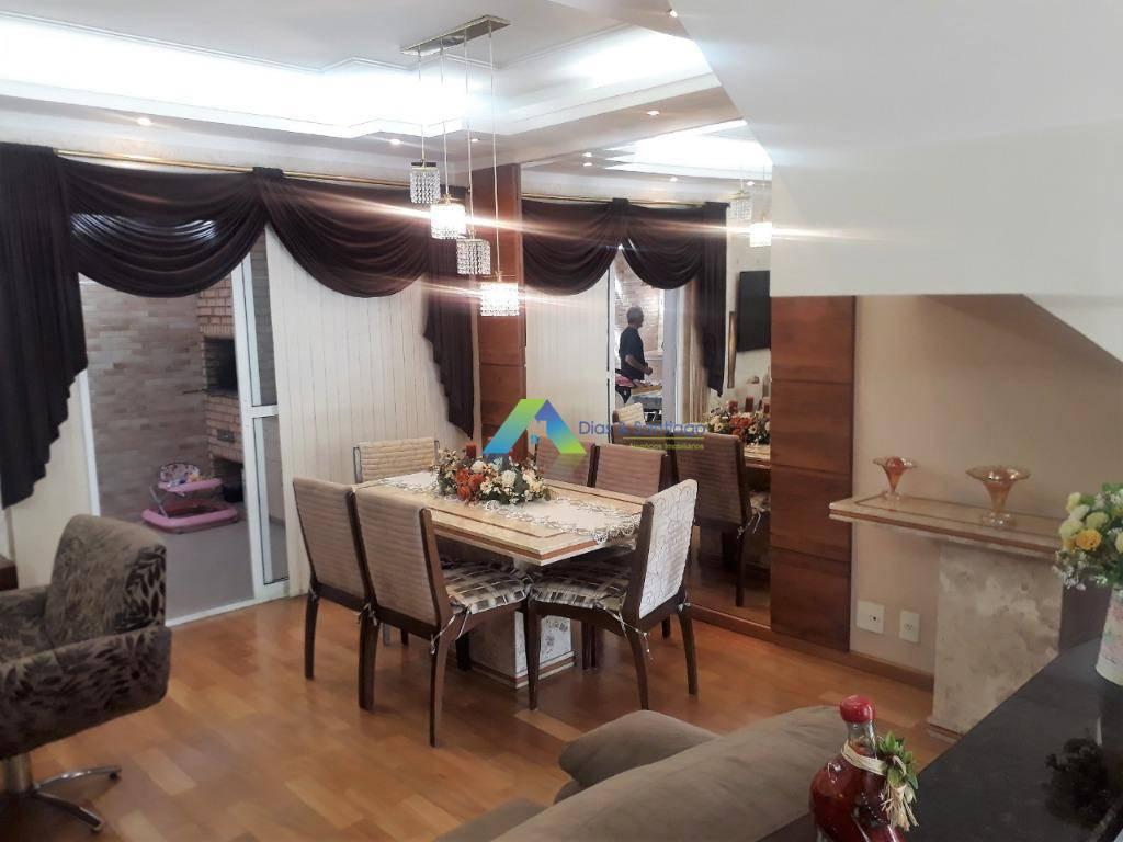 Lindo sobrado em condomínio fechado, 3 dormitórios, sendo 1 suite, 2 vagas lazer completo ótima localização.
