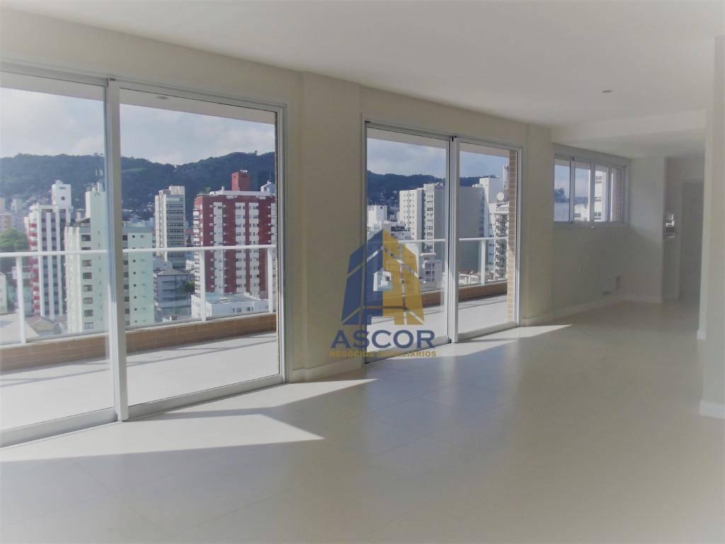 Apartamento Novo , alto padrão, semi mobiliado disponível para locação !