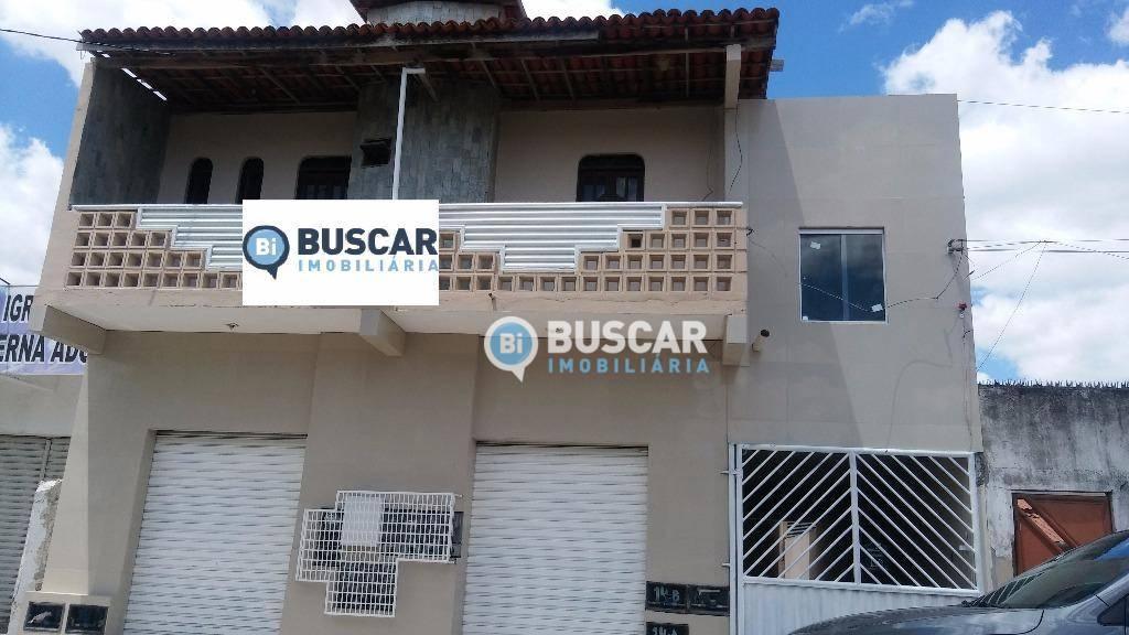 Casa com 2 dormitórios para alugar, 70 m² por R$ 750/mês - Conceição - Feira de Santana/BA