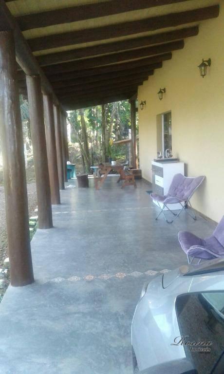 linda casa rústica em condomínio fechado com vista para as montanhas e acesso a rio de...