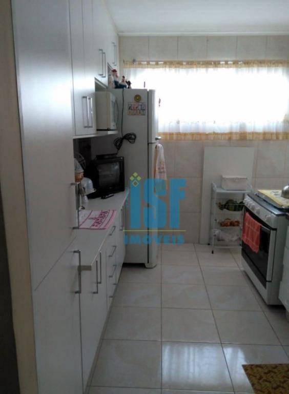 Apartamento com 3 dormitórios à venda, 60 m² por R$ 275.600 - I.A.P.I. - Osasco/SP - AP20641.
