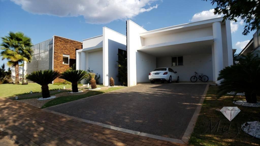 Casa 4 Suítes, 517 m², c/ lazer, mobiliado no Condomínio Privillege