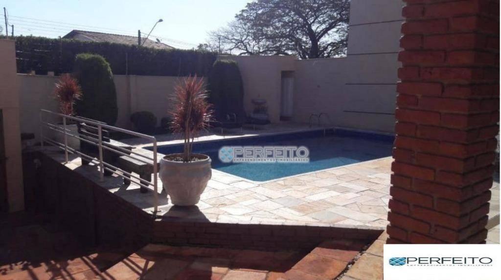 Casa à venda em Londrina com 4 dormitórios, 355 m² por R$ 800.000,00