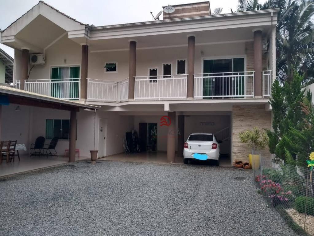 Sobrado com 3 dormitórios à venda, 180 m² por R$ 835.000,00 - Chico de Paulo - Jaraguá do Sul/SC