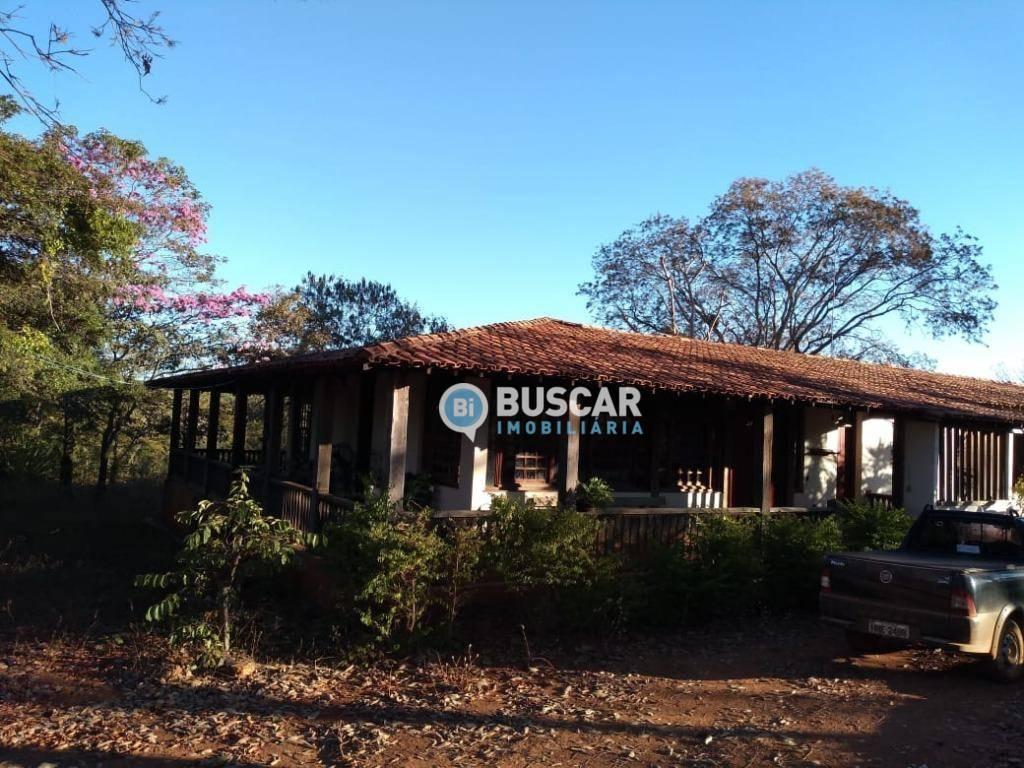 Fazenda com 4 dormitórios à venda, 8000000 m² por R$ 5.600.000,00 - Centro - Engenheiro Navarro/MG