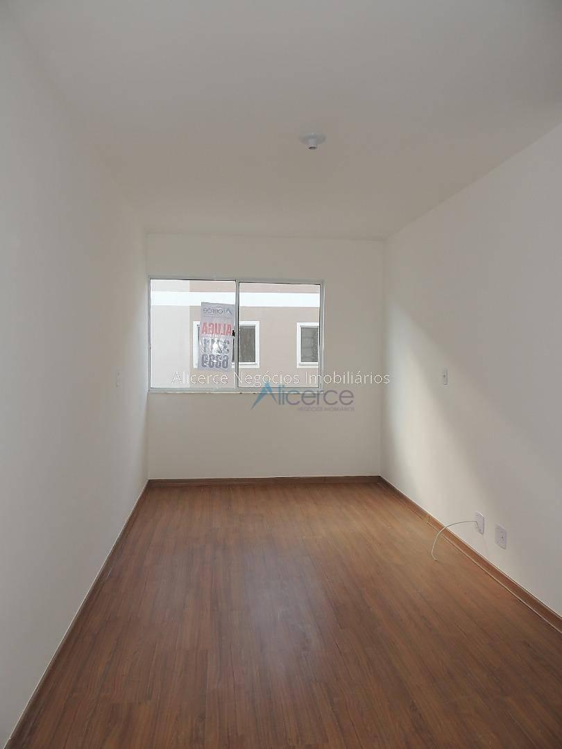 Apartamento com 2 dormitórios para alugar, 55 m² por R$ 600/mês - Marilândia - Juiz de Fora/MG