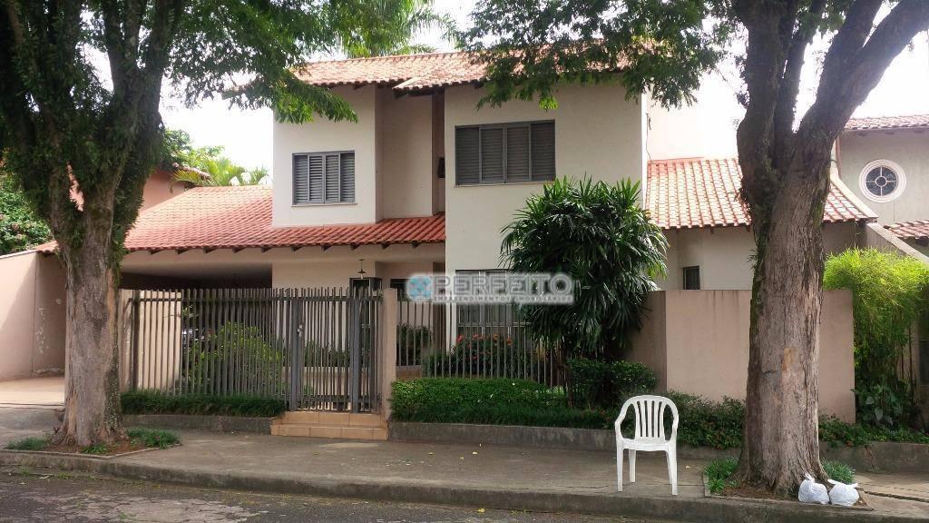 Casa à venda em Londrina no Jardim Petrópolis com 4 dormitórios, 330 m² por R$ 880.000