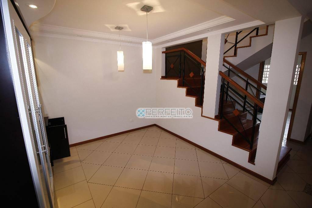 Sobrado com 3 dormitórios para alugar, 232 m² por R$ 3.300,00/mês - Santa Mônica - Londrina/PR
