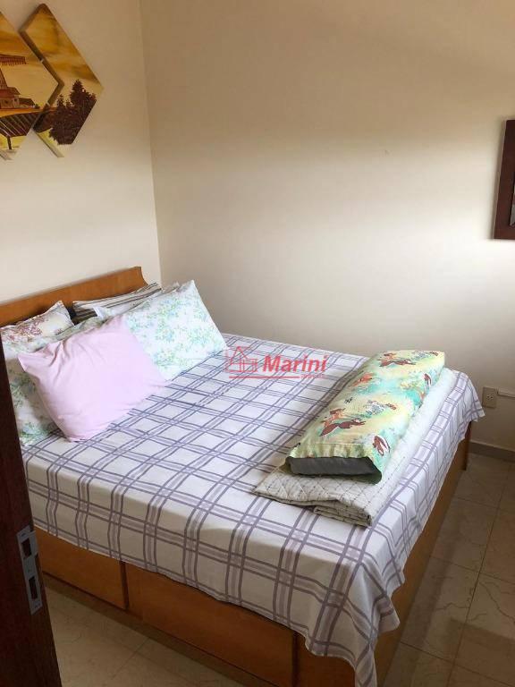 casa de alto padrão4 quartos5 banheiros (1 suite) (banheira)2 salasárea de lazer/churrasco completo (bilhar, quadra, piscina)