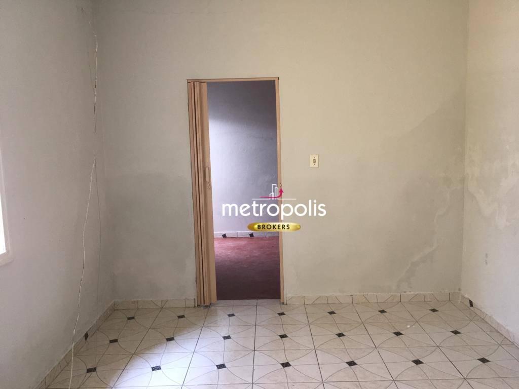 Casa com 1 dormitório para alugar por R$ 700,00/mês - Fundação - São Caetano do Sul/SP