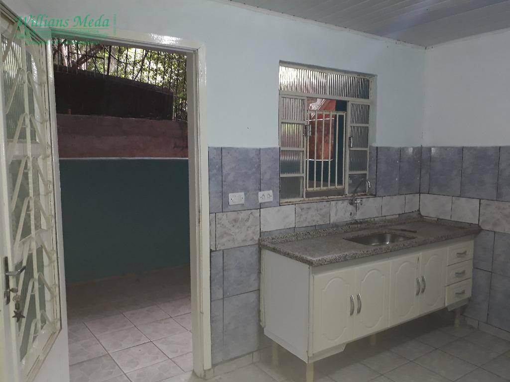 Casa 1 dormitório, sala, cozinha e banheiro, Parque Renato M