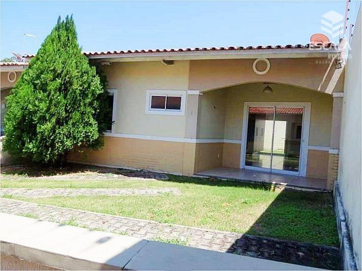 Casa plana com 2 quartos à venda, 81 m² , 2 vagas, área de lazer, financia - Lagoa Redonda - Fortaleza/CE