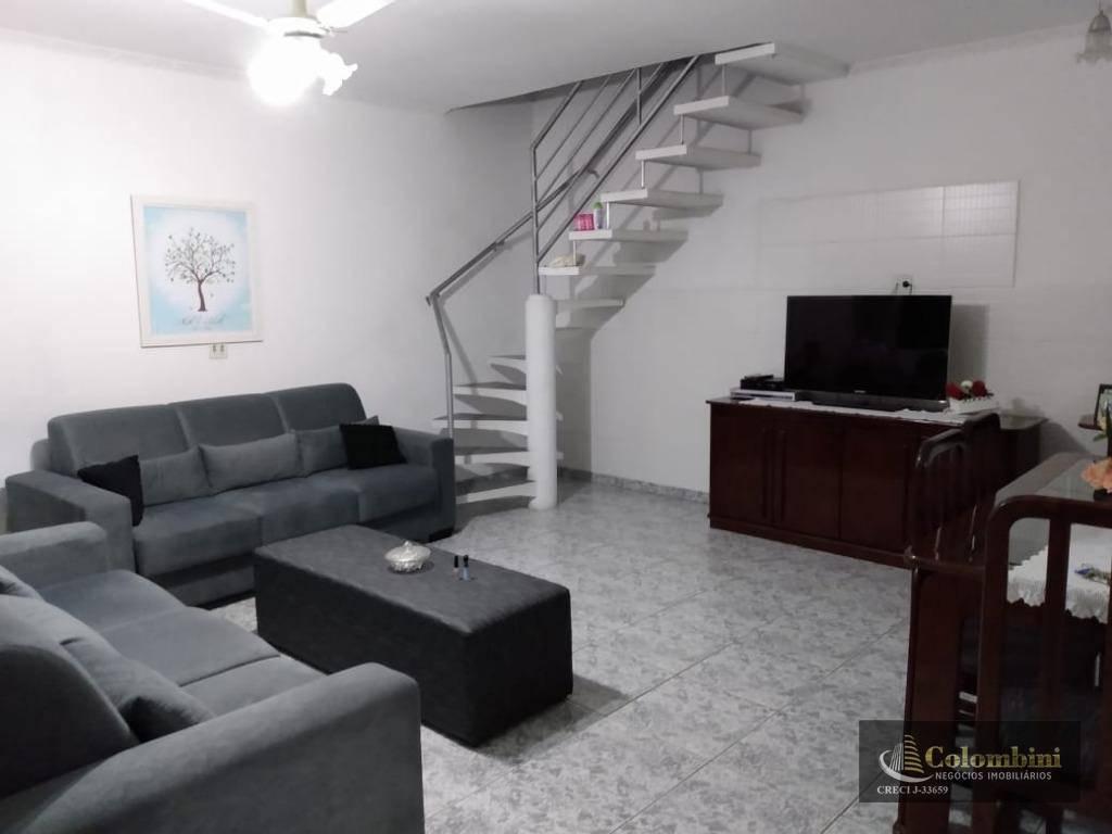 Sobrado com 3 dormitórios para alugar, 200 m² - Santa Maria - Santo André/SP