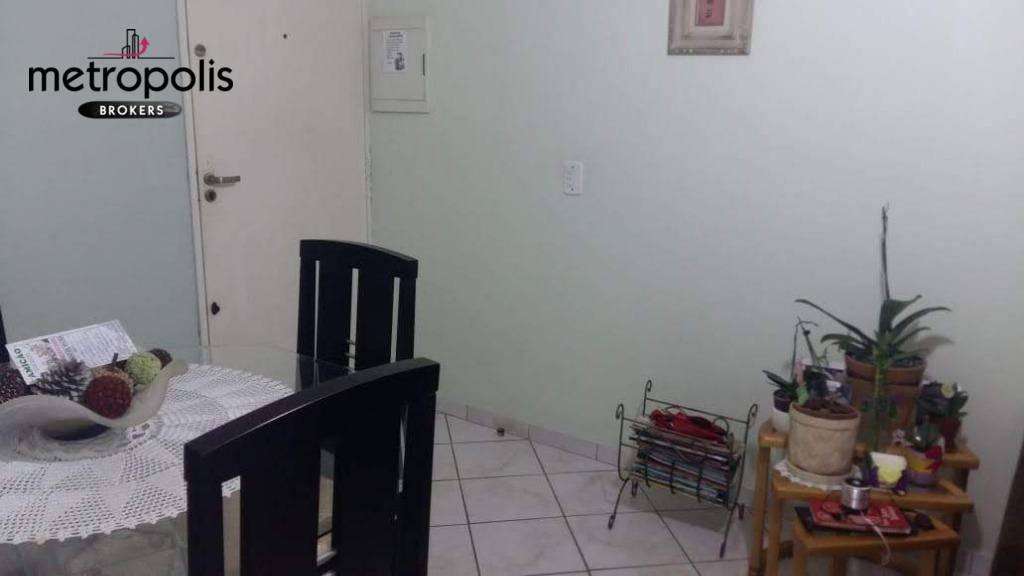Apartamento com 2 dormitórios à venda, 54 m² por R$ 230.000