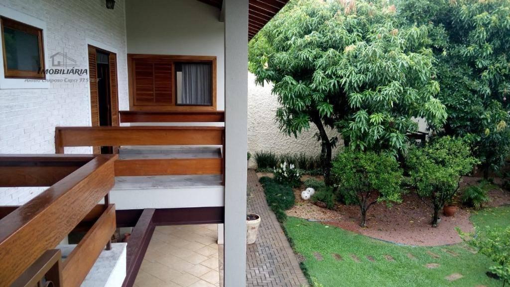 mansão com excelente acabamento terreno de 1.600m², na parte térrea contém 4 dormitórios sendo 3 suítes,...
