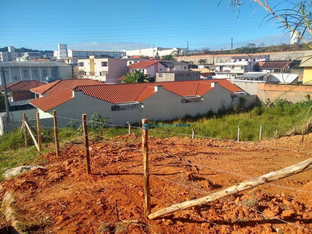 Terreno de 449m² á venda no bairro Picadas do Sul