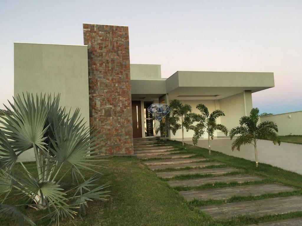 Casa 4 Quartos, sendo 3 Suítes, 380 m² no Condomínio Polinésia