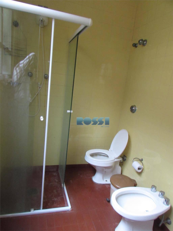 imóvel residencial / comercial (excelente ponto comercial) com 03 dormitórios, sala, cozinha, 03 banheiros, área de...