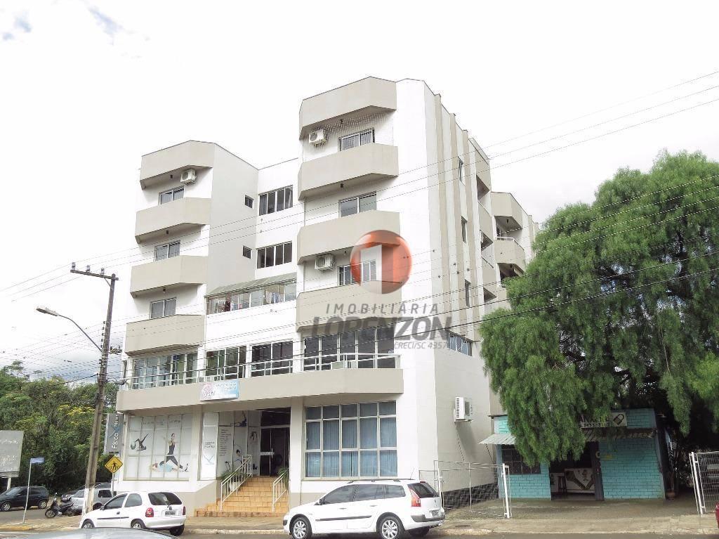 Apartamento com 01 quarto, mais suíte, na Barão do Rio Branco.