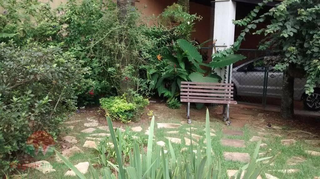 linda casa no jardim virginia, enseada.ótima localização, com edicula.