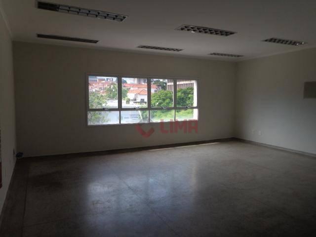 Sala Comercial, aproximadamente 50m² com ar condicionado e vaga de garagem exclusiva, Centro