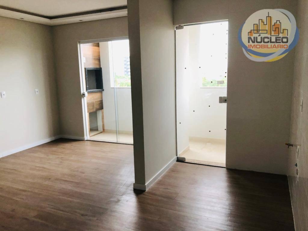 Apartamento com 2 Dormitórios à venda, 66 m² por R$ 265.000,00