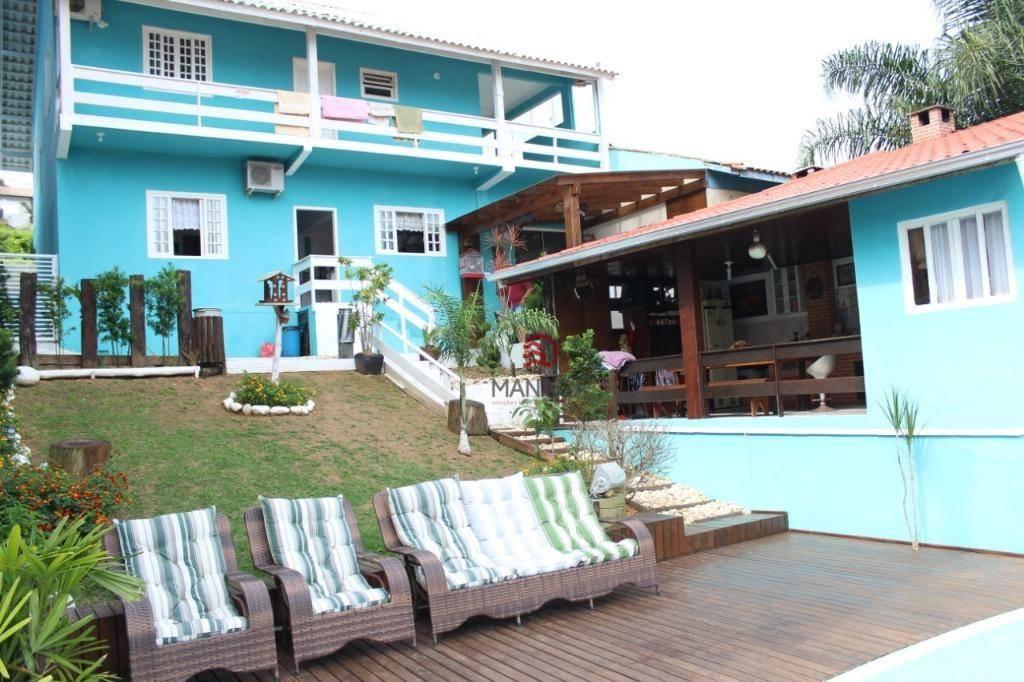 Sobrado com 3 dormitórios à venda, 340 m² por R$ 670.000 - Centro - Barra Velha/SC