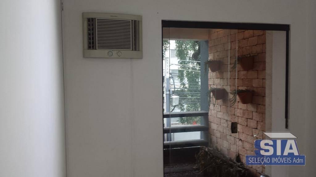 Conjunto com 4 salas comerciais, 2 banheiros p/ locação, Av. Pompéia SP.