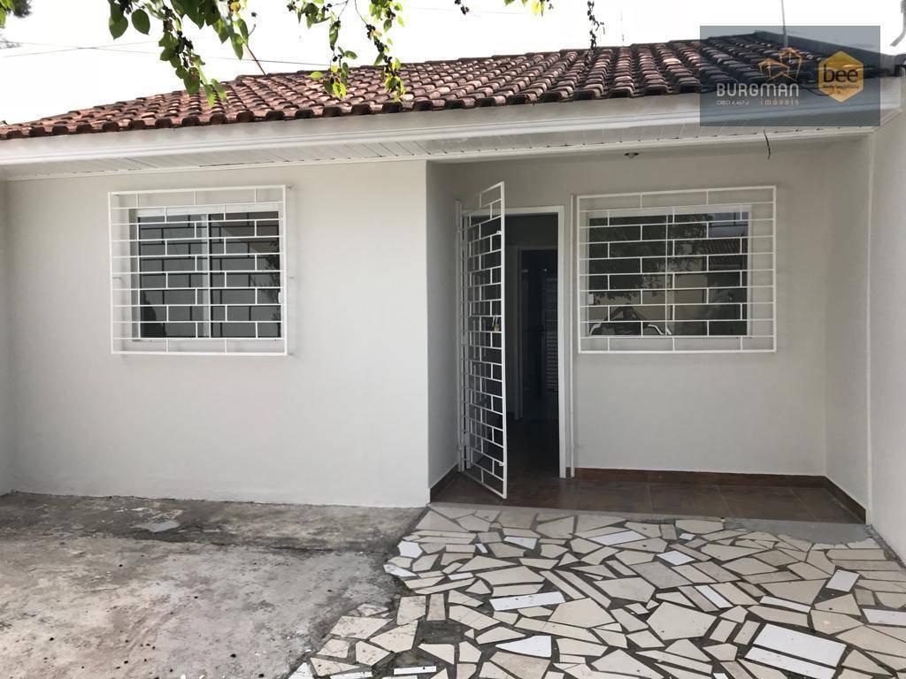 Casa com dois dormitórios em Colombo