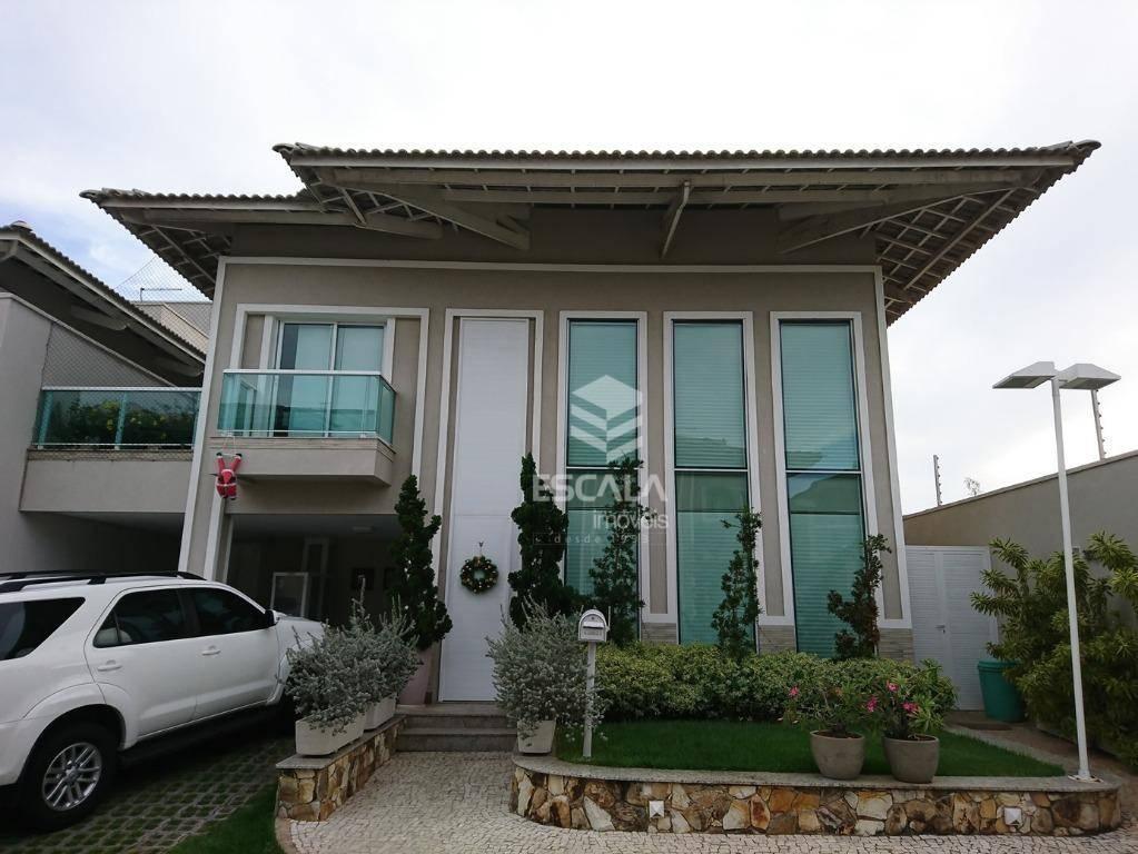 Casa com 3 quartos à venda, 350 m², 3 suítes, gabinete, piscina, área de lazer, 4 vagas- De Lourdes - Fortaleza/CE