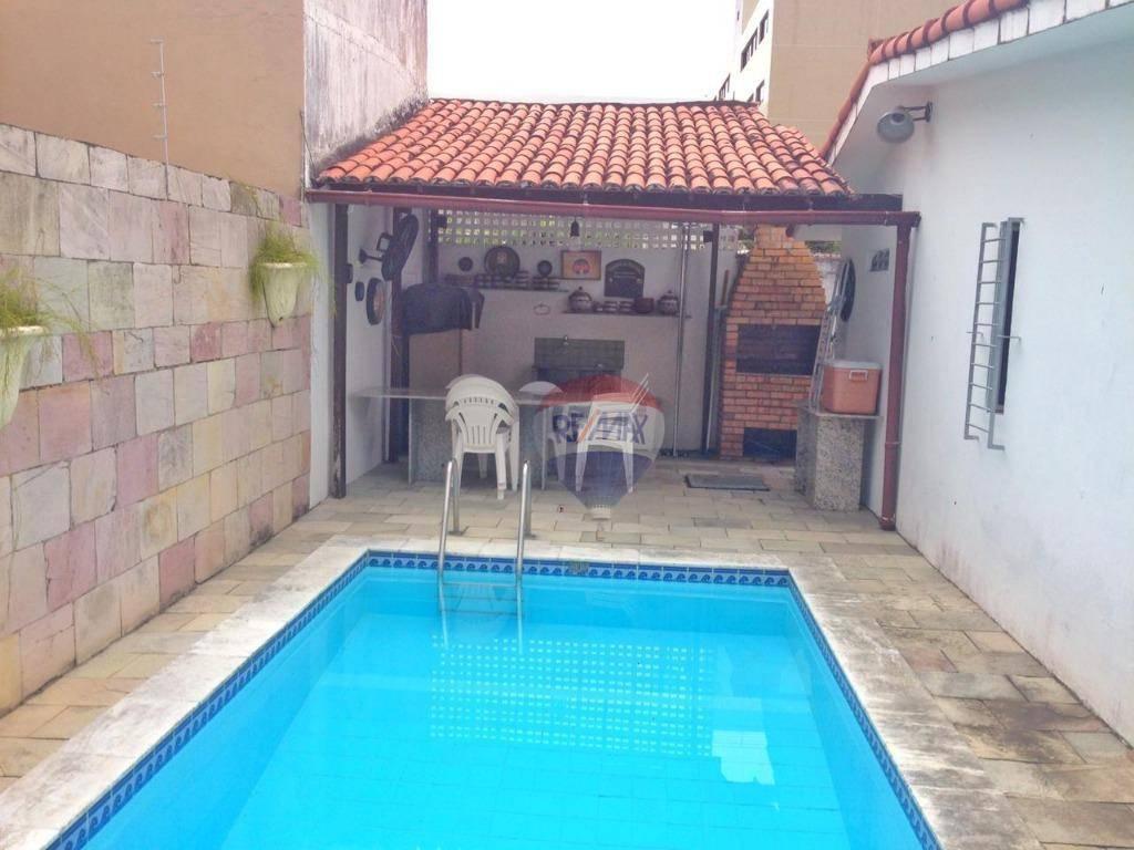 Venha conhecer essa maravilhosa casa de 242m² em Setúbal.