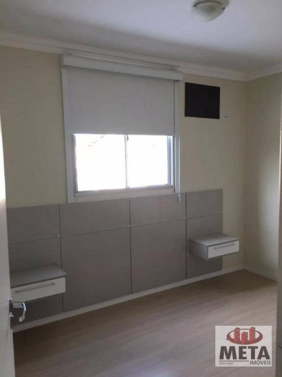 Apartamento com 3 Dormitórios à venda, 62 m² por R$ 225.000,00