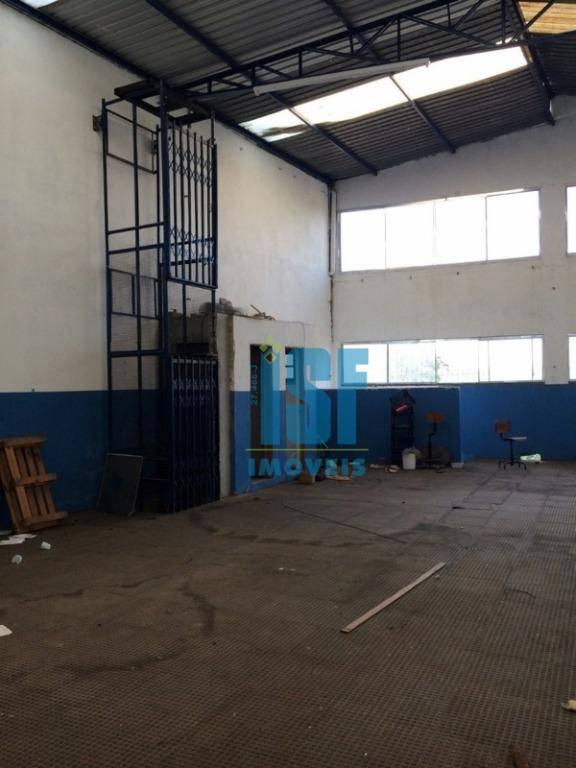 Galpão para alugar, 650 m² por R$ 6.000/mês - Km 18 - Osasco/SP - GA0456.