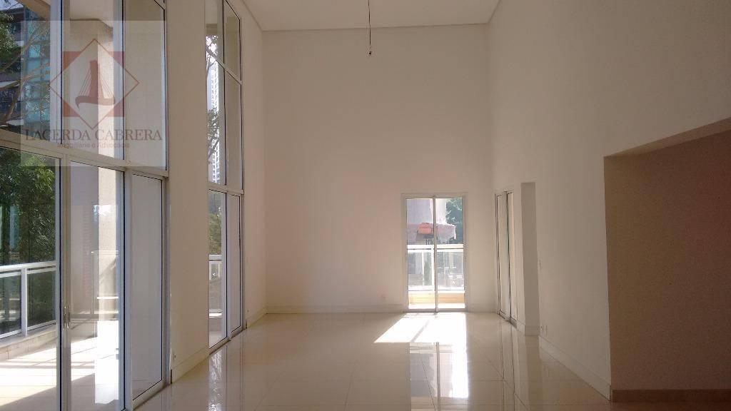 alto padrão, excelente apartamento, pé direito alto, 04 suites, sendo a master com sacada, 2 closet...
