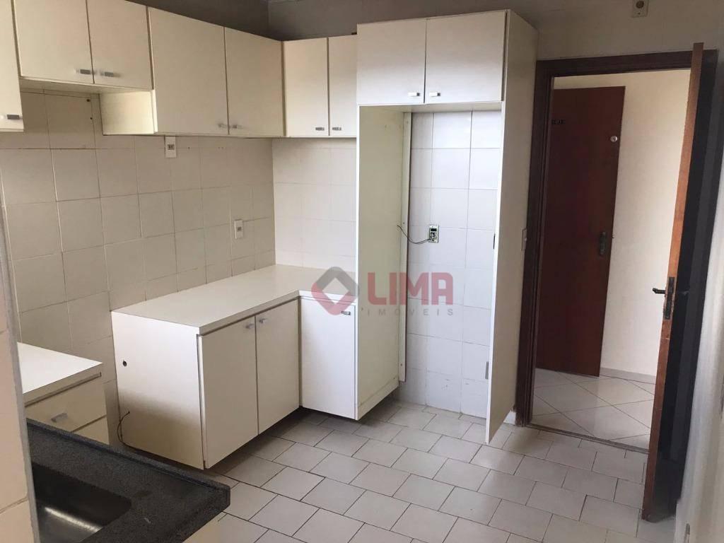 excelente apartamento com 3 dormitórios sendo 01 suíte, completo em armários, sala ampla em 2 ambientes,...