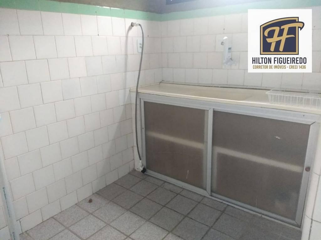 alugo studio na avenida cabo branco, 40 m².  R$ 135 c/ condomínio