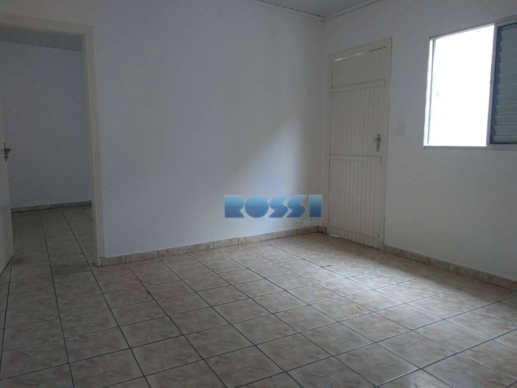 casa térrea 50 m²01 dormitório, sala, cozinha, banheiro, lavanderia, quintal, sem vaga!água e luz individual