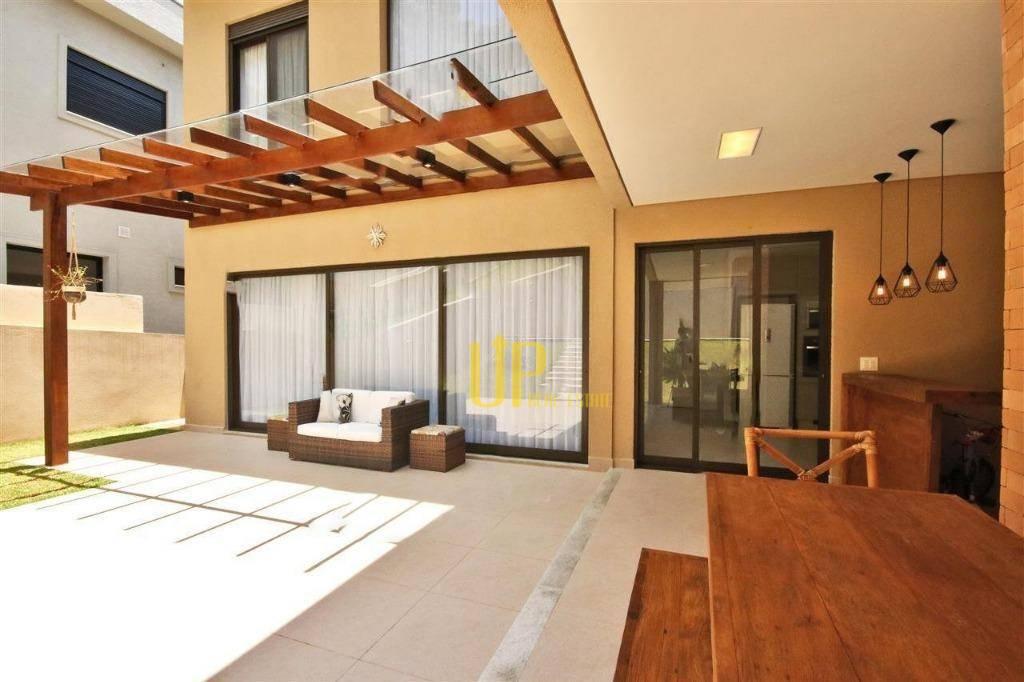 Casa com 4 dormitórios à venda, 355 m² por R$ 2.300.000 - Tamboré - Santana de Parnaíba/SP