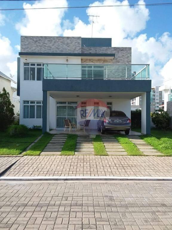 Casa, 04 dormitórios, 04 Suítes, 01 Closet, 02 Garagens Cobertas, Piscina, Solarium.
