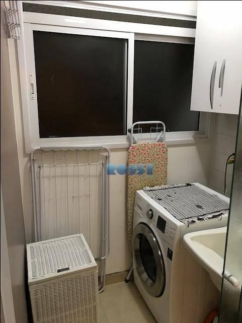 ótimo apartamento reformado contendo 2 dormitórios, wc social, sala living 2 ambientes com sacada, cozinha, área...