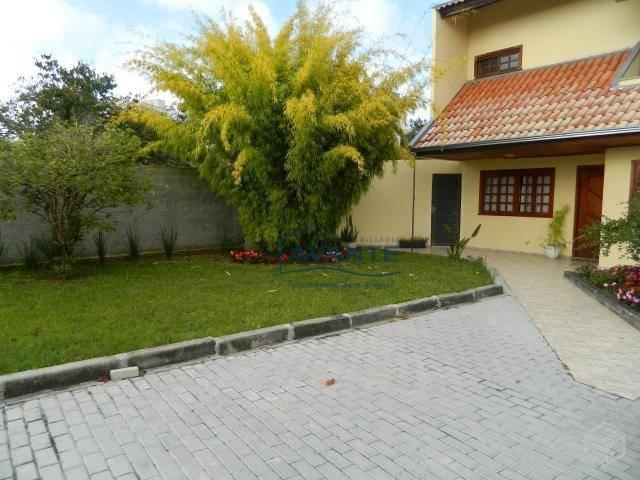 excelente casa com 256m² de área construída, com 5 dormitórios sendo 1 suíte; banheiro social, lavabo,...