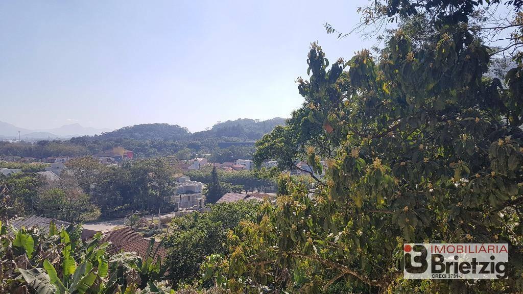 Sobrado à venda  no Bom Retiro - Joinville, SC. Imóveis