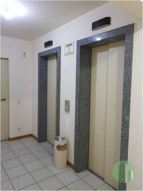 boa sala comercial no centro de florianópolis com redução de preço para a venda: de r$...