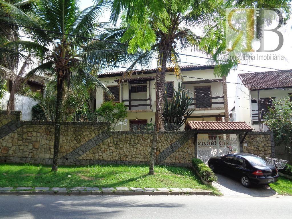 Locação casa duplex com piscina na Estrada do Quitite