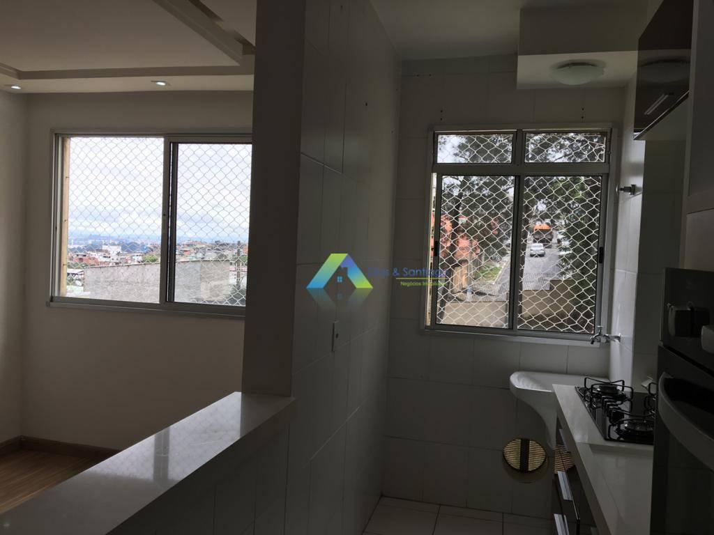 lindo apto localizado no centro de Diadema. O apto tem dois dormitórios e ampla sala, possui móveis planejados e eletrodomésticos na cozinha cooktop