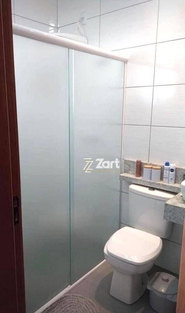 Sobrado com 2 Dormitórios à venda, 90 m² por R$ 370.000,00