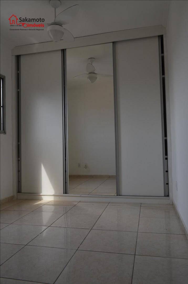 apartamento para locação no piazza di roma em sorocaba!- 2 dormitórios com armários e ventilador de...