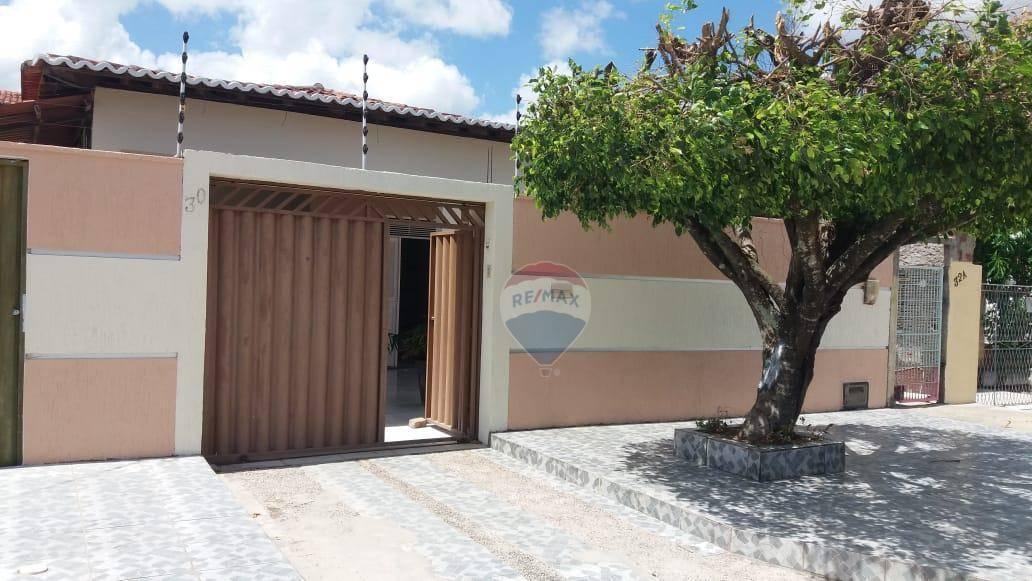 Casa com 2 dormitórios, com 2 suites para  ALUGUEL - Coobinal